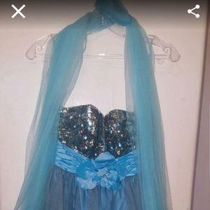 Dresses & Skirts - Turquoise size 6